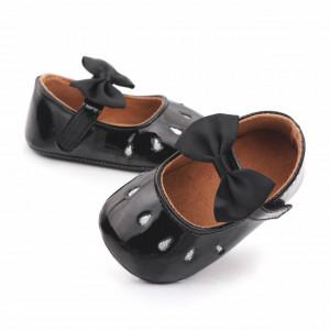 Pantofiori negri din lac cu puncte argintii