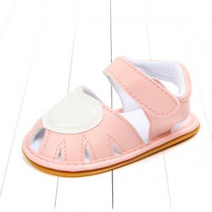 Sandalute fetite roz cu inimioara