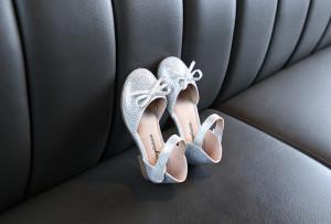 Pantofi eleganti argintii cu strasuri