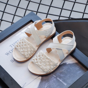 Sandale albe cu plasa crosetata