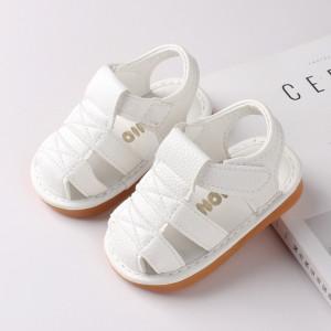 Sandalute albe cu piuitoare