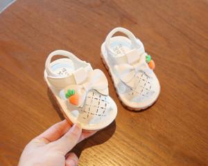 Sandalute albe inchise in fata - Morcovel