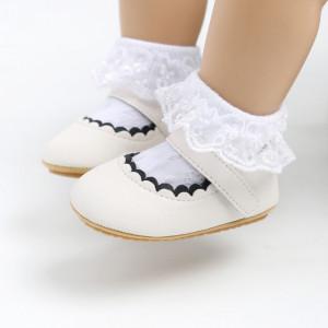 Pantofiori albi pentru fetite