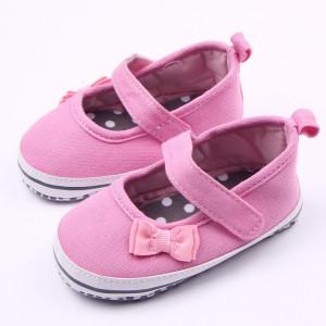 Pantofiori roz cu bareta