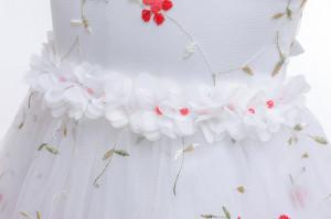 Rochita ocazie cu floricele rosii brodate
