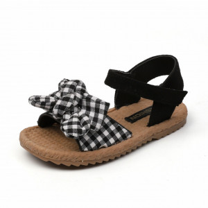 Sandale cu carouri pentru fetite