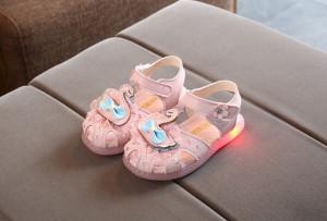 Sandale roz - Regina lebada