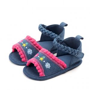 Sandalute fetite din blugi cu ciucurei roz ciclame