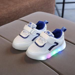 Adidasi albi cu albastru cu luminite