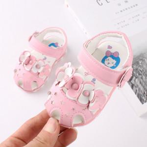 Sandalute roz cu floricele