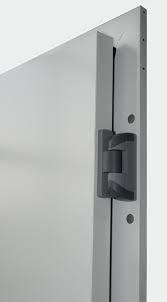 usa frigorifica balamele pe dreapta