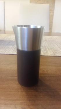 Recipient servit lapte la cafea