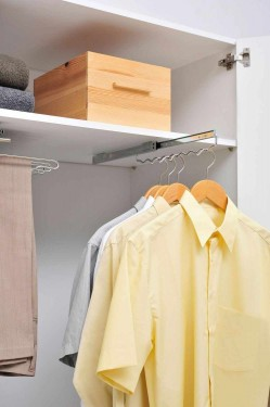 Sistem dressing pentru 8 camasi