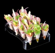 Set 5 standuri si 60 conuri finger food