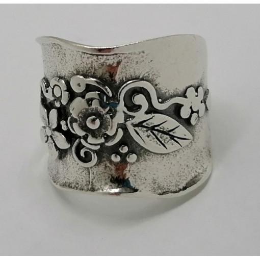Inel argint decorat in relief -R845