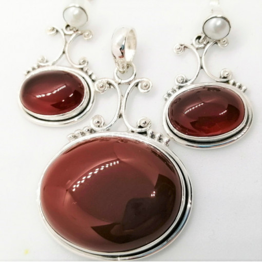Set pandantiv si cercei din argint - SET 53 onix rosu