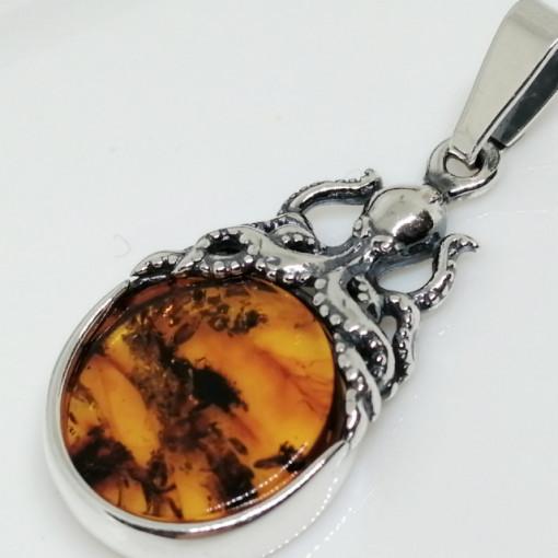 Pandantiv din argint si chihlimbar - P3199
