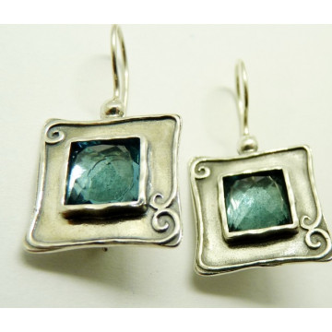 Cercei din argint si blue topaz E2665
