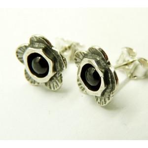 Cercei argint cu surub -floare si granat E2877C