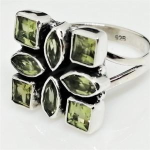 Inel argint cu Peridot- R197