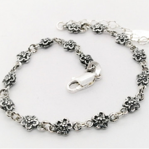Bratara delicata din argint cu flori -B2278