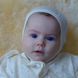Caciulita tip boneta din lana organica si matase, natur – Cosilana (si pentru prematuri)