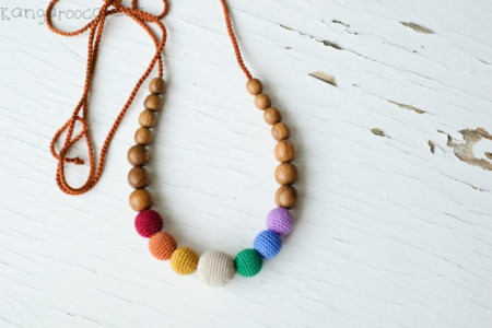 Poze Colier baywearing si alaptare - Earthy Simple Rainbow, Stejar - Kangaroo Care