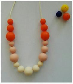 Colier de babywearing, alaptare si dentitie din silicon - Orange&Cream