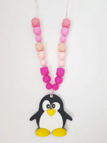 Colier de babywearing, alaptare si dentitie din silicon - Pink Pinguin