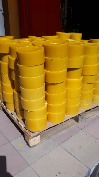 Ceara Naturala produsa de albine, filtrata, pt luminari