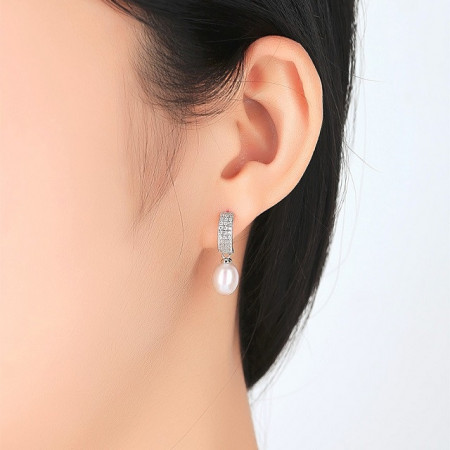 cercei perle albe