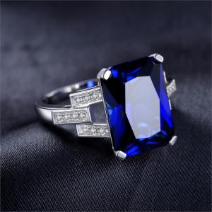 inel safir albastru