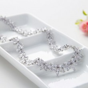 Juliana Colier Luxos Cristale