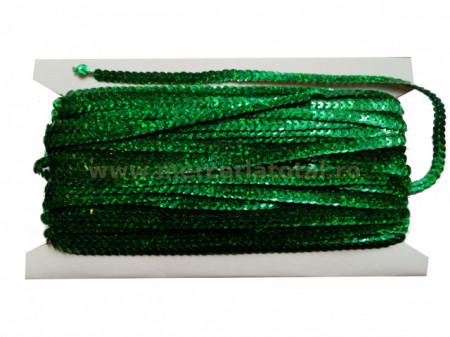paiete pe snur verde