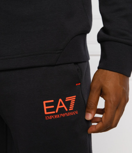 Set hanorac si pantaloni EA7