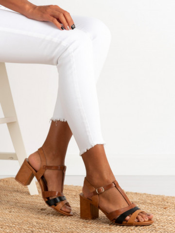 Sandale cu toc cod CS82 Brown