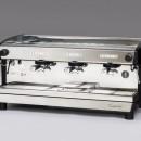 Espressor automat de cafea cu dozare volumetrică, 3 grupuri