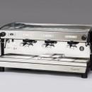 Espressor automat de cafea cu dozare volumetrică, display. 3 grupuri