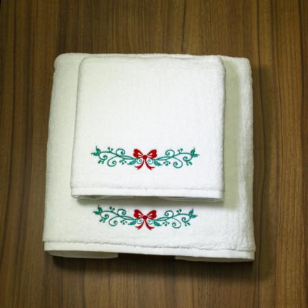 Poze Set 2 Prosoape baie Brodate Alb cu broderie color, Model Craciun 4, bumbac 100%