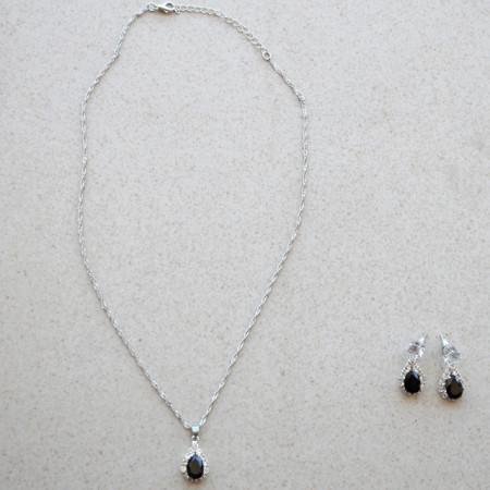 Set elegant argintiu, cercei si pandantiv in forma de lacrima, Black Tears