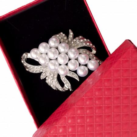 brosa dama eleganta cu perle acrilice