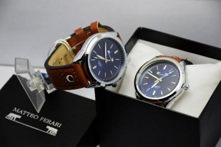Ceas barbatesc, design italian, mecanism japonez, cadran albastru, curea maro + cutie