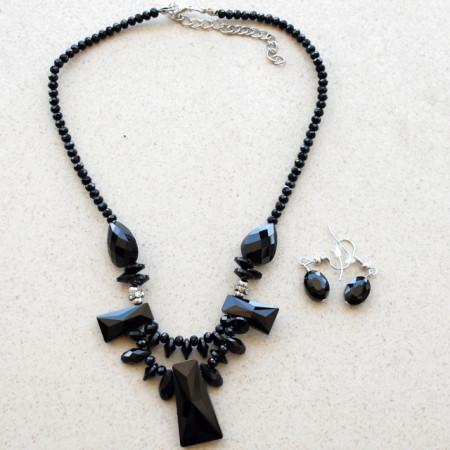 Set colier statement si cercei cu cristale negre, Black forms