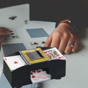 Aparat automat de amestecat carti de joc, Pufo, negru