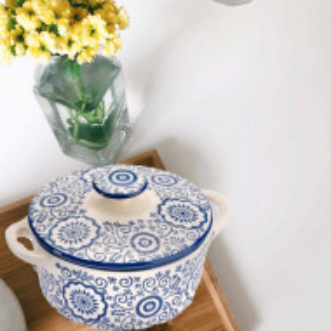 Bol din ceramica cu capac pentru supa sau ciorba, model albastru floral, 600 ml