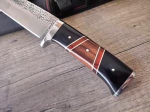 Cutit de vanatoare 30 cm, design deosebit, teaca inclusa
