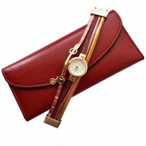 Pachet portofel elegant de dama cu suport detasabil, visiniu + ceas visiniu inchizatoare tip bratara
