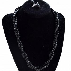 Set elegant colier si cercei cu perle acrilice negre, model rasucit