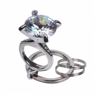 Breloc pentru chei sau decor geanta, in forma de inel cu diamant, Pufo