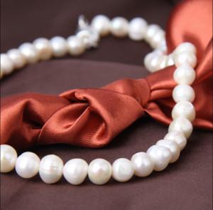 Colier perle naturale de cultura albe, model Shape pearl